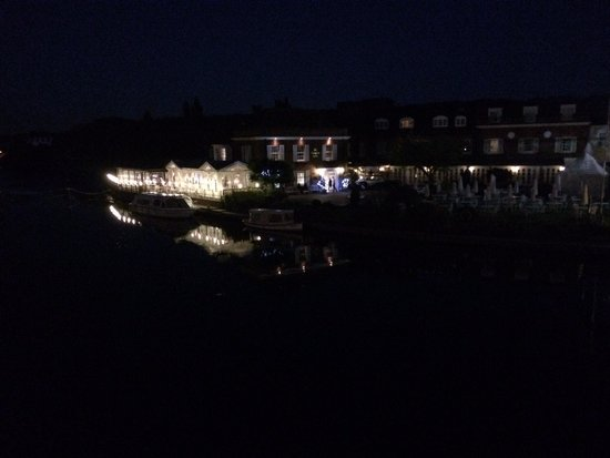 Macdonald Compleat Angler: Looks great from the outside but desperately needs a service management upgrade on the inside