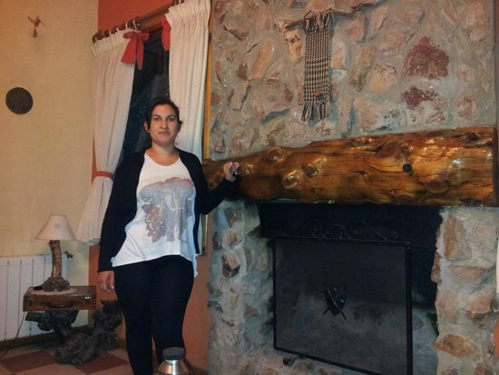 Cabanas Duendes del Maiten : Hermosa chimenea