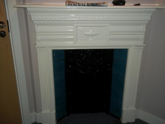 Ruskin Hotel : Beautiful Fire Place (Decoration Only)