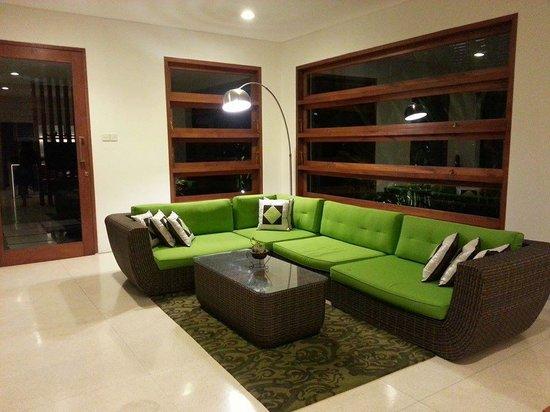 Papillon Garden Villas by HIM Hotels: Living room
