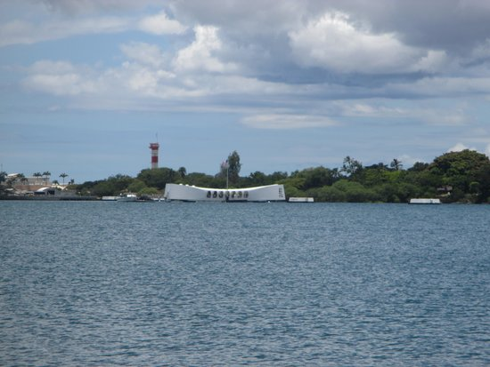 Discover Hawaii Tours: USS Arizona Memorial