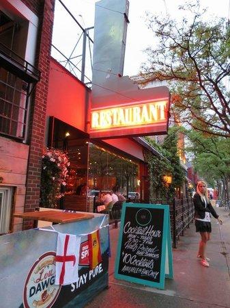 Lee Restaurant: Front