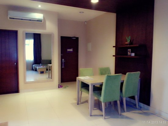 Anggrek Shopping Hotel: Family suite very recomended ;-)