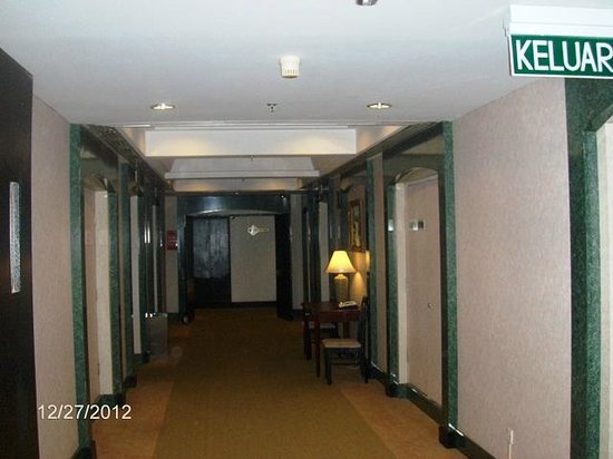 Awana Hotel: Hallway