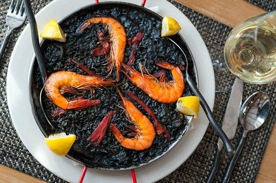 El Quijote!: Paella de Arroz Negro (Squid Ink Paella)