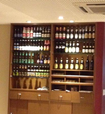 Tenore Gourmet: Excelente carta de cervejas!!! O cardápio tem fotos e discrição de cada uma... Muito bom mesmo,