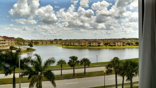 Hampton Inn & Suites Fort Myers - Colonial Blvd: From our 4th floor suite