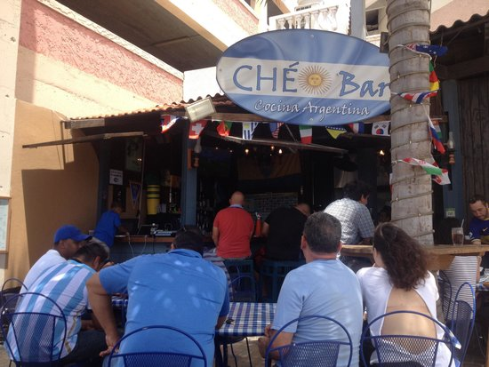 Che Bar: Quaint