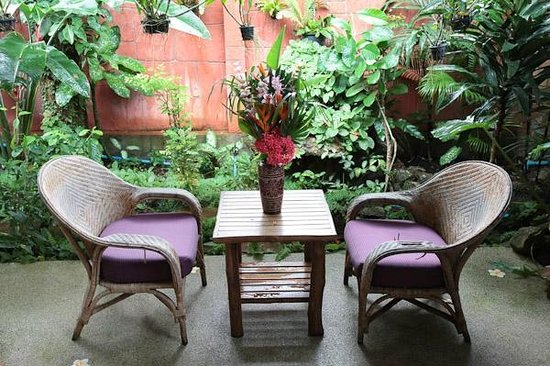 Shanti Lodge - Phuket: Private garden room
