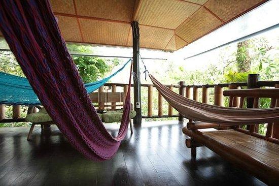 Shanti Lodge - Phuket: Relax in the treetop sala