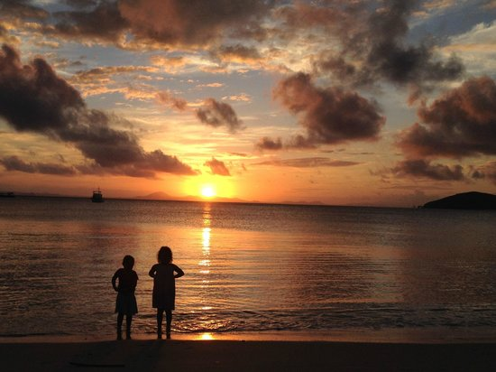 Great Keppel Island Holiday Village: Sunset at Fisherman's Beach