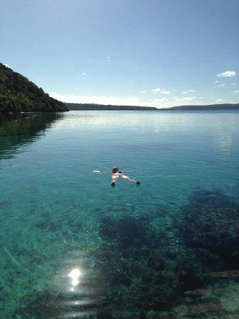 Tranquillity Island Resort & Dive Base: Water surrounding resort