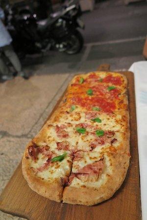 Pizzeria Bella Napoli: 50 CM pizza
