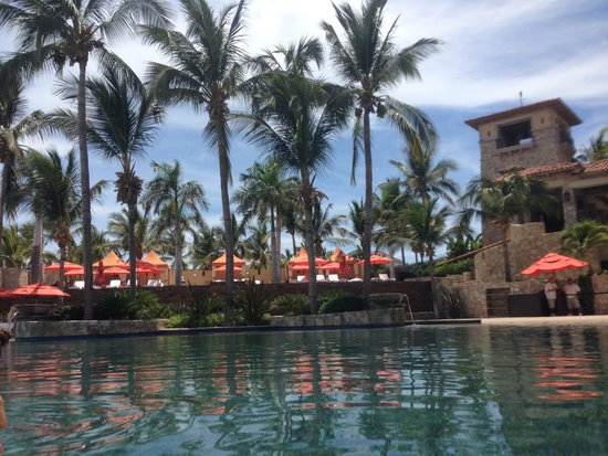 Hacienda Beach Club and Residences: The pool