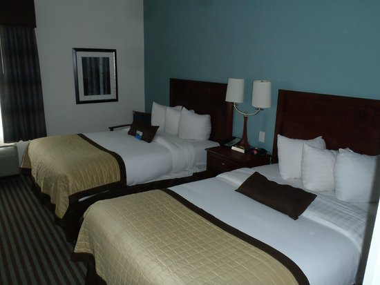 Baymont Inn & Suites Denver International Airport: room view