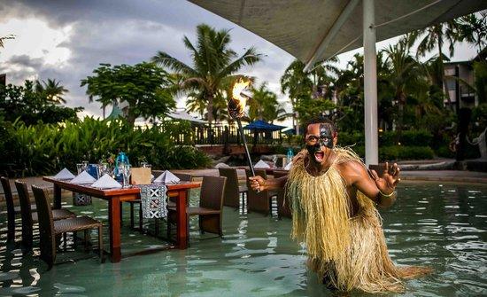 Radisson Blu Resort Fiji Denarau Island: Lomani Wai (In the water dining)
