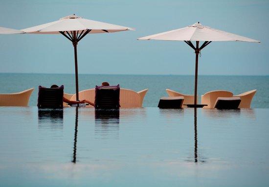 Anantara Mui Ne Resort : бассейн