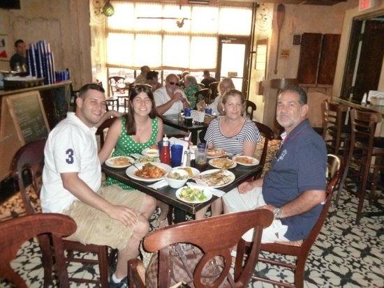 Garcia Seafood Grille : parte interna do garcia