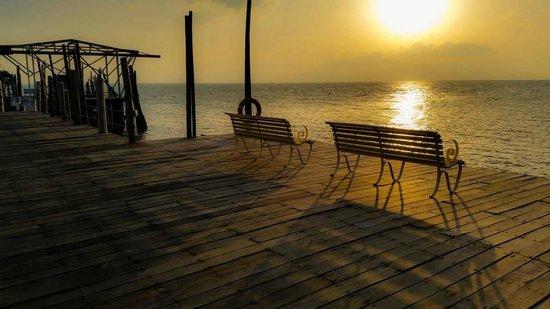 Rawa Island Resort: good spot to enjoy the sunset
