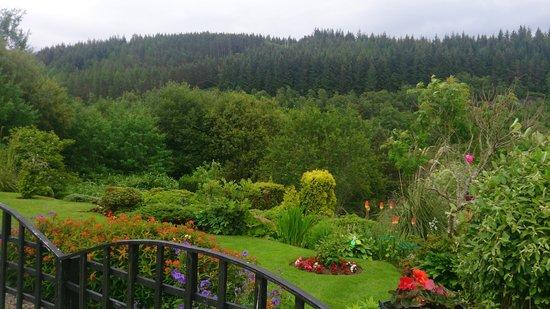 Intake House B&B : Garden at Intake House Foyers