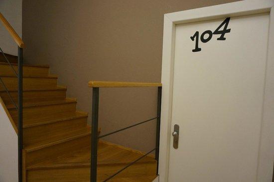 Hotel Piazza Bellini: Даже номера у комнат нестандартны