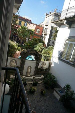 Hotel Piazza Bellini: Солнечно