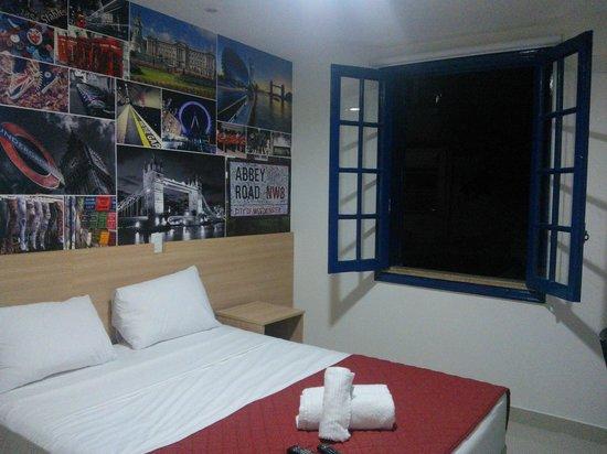 Injoy Hostel: Habitación Londres