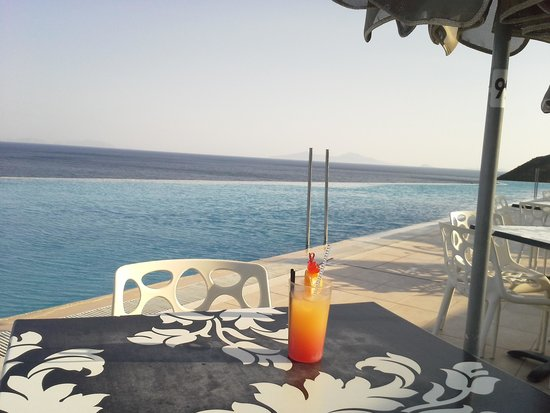 Michelangelo Resort and Spa: The BIG pool! And my favorite drink...