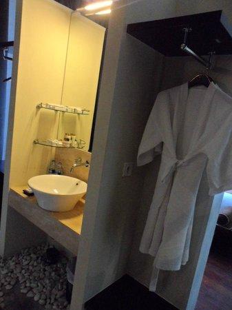 18 Suite Villa Loft: Bathroom