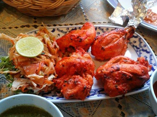 Tandoori Night's: Tandoori chicken