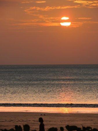 Bali Garden Beach Resort: Sunset from the Boardwalk
