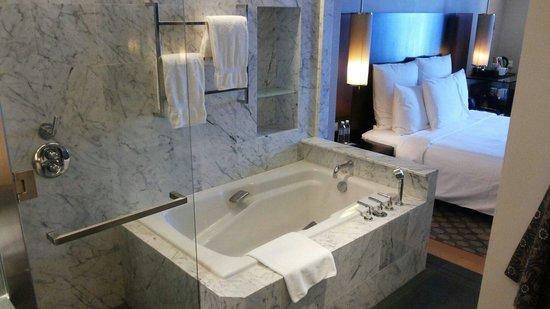 Hilton Kuala Lumpur: Very nice bath