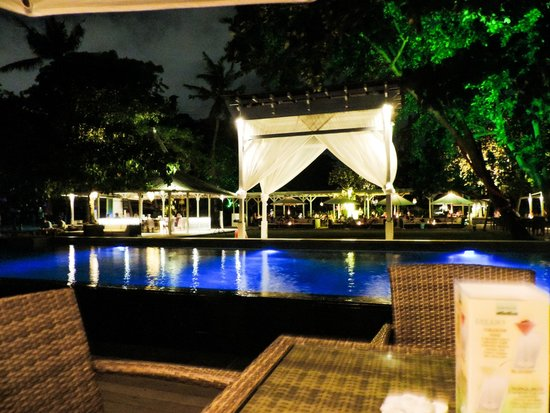 Bali Garden Beach Resort: Boardwalk