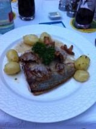 Parkhotel Waldau: Poisson au menu