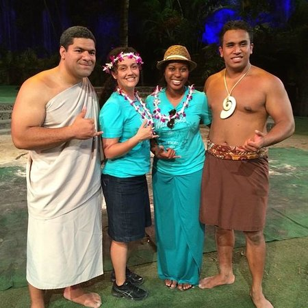 Polynesian Cultural Center: Meeting the dancers after the 'Breath of Life' Production.