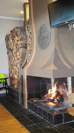 Blue Waters Cafe: Fireplace warming up a cold winter's day