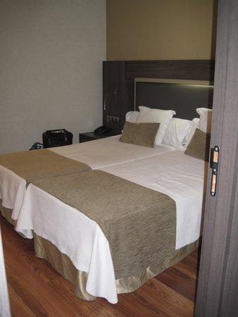 Hotel Oasis: Nette slaapkamer