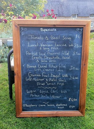 Limestone: The special menu board - the lovely waitress carried it out to the garden for me to have a look!