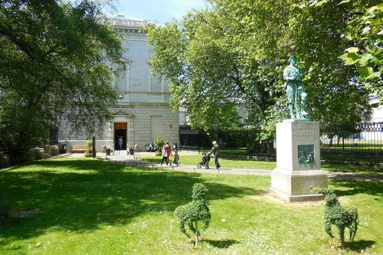 National Museum of Ireland - Natural History : Gardens