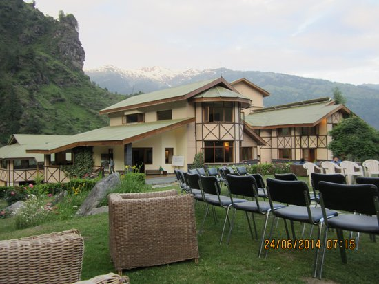 Solang Valley Resort: View