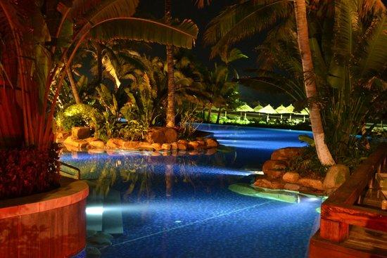 Four Points by Sheraton Shenzhou Peninsula Resort: Территория отеля