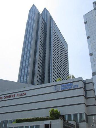 ANA Crowne Plaza Kobe: 外観