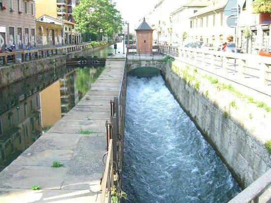 Navigli District : канал Леонардо