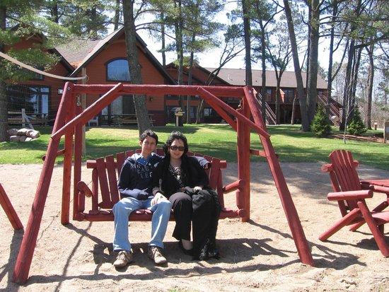Good Ol' Days Family Resort : Hanging , nearby Lake