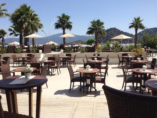 Munamar Beach Hotel: Bar view