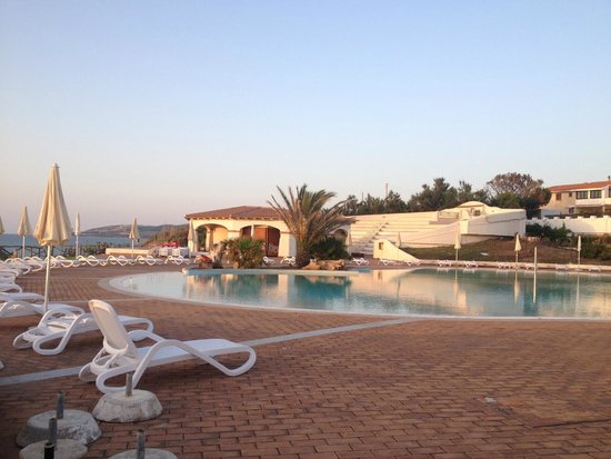 La Plage Noire Hotel & Resort : Piscina