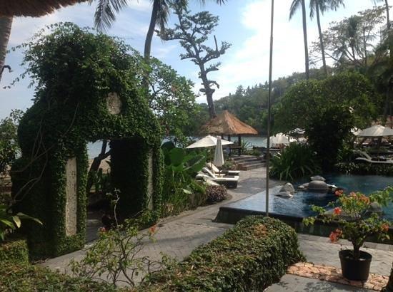 Sheraton Senggigi Beach Resort: View from day bed above pool, towards the beach.