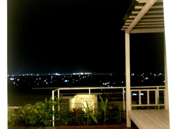 Paradise Loft Villas Jimbaran : at night