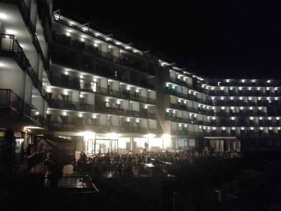 Hotel Samba: Vista desde parque infantil