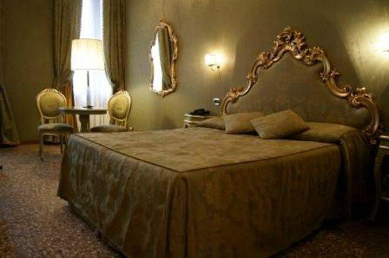 Hotel Al Ponte Mocenigo: Zimmer in der Dependance